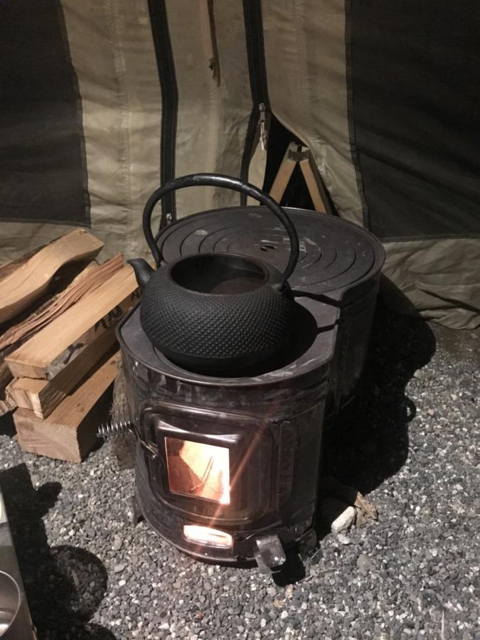 どうやって薪ストーブをテントに入れるの?ホンマ製作所の時計型薪ストーブインストール用改造!