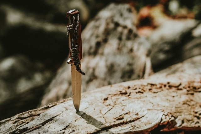 【初心者必見】キャンプで必要なナイフ3選【取り敢えずこれでOK】