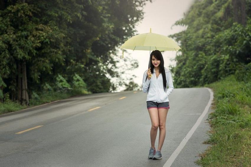 【女性にオススメ】雨の日も楽しくなるレインコートのご紹介【おしゃれ】