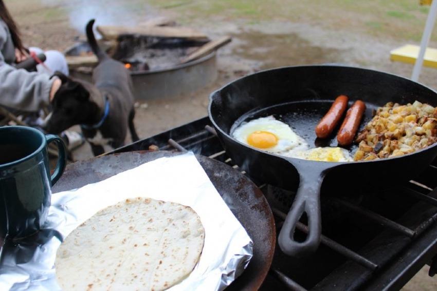 【ソロキャンプの始め方】Vol.06_癒しの調理の方法。料理を作る過程こそ楽しむべき、その理由とは?