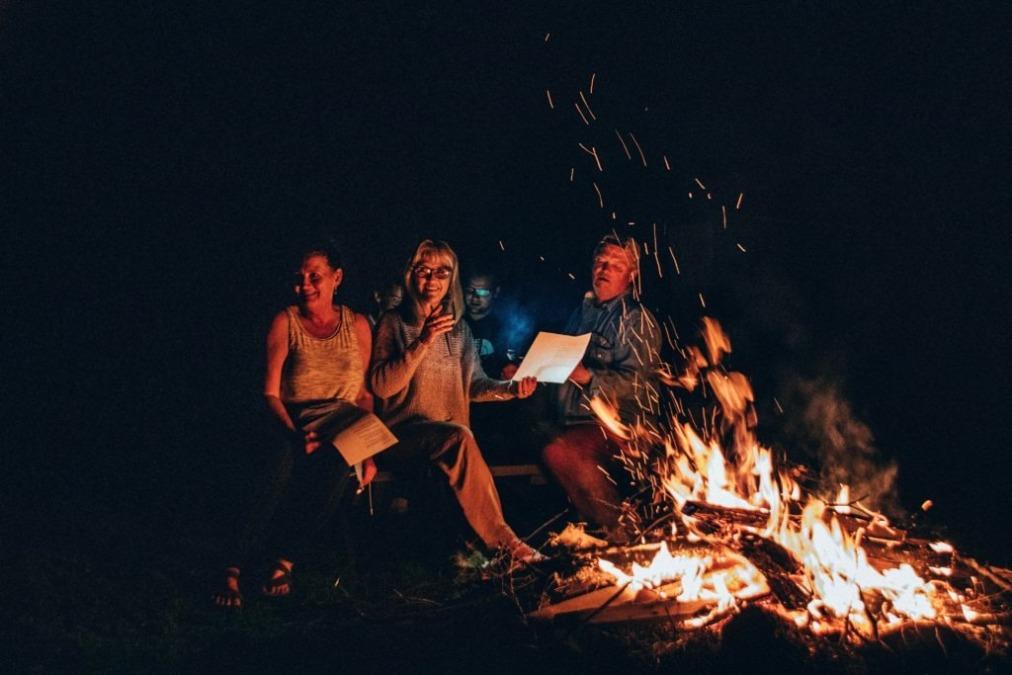 【ソロキャンプの始め方】Vol.02_焚き火と焚き火台。直火NGってなに?