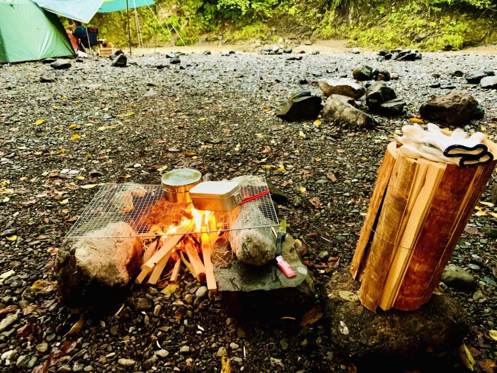 寒さ 秋 対策 キャンプ